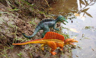 Safari Spinosaurus Suchimimus Dinosaur toys